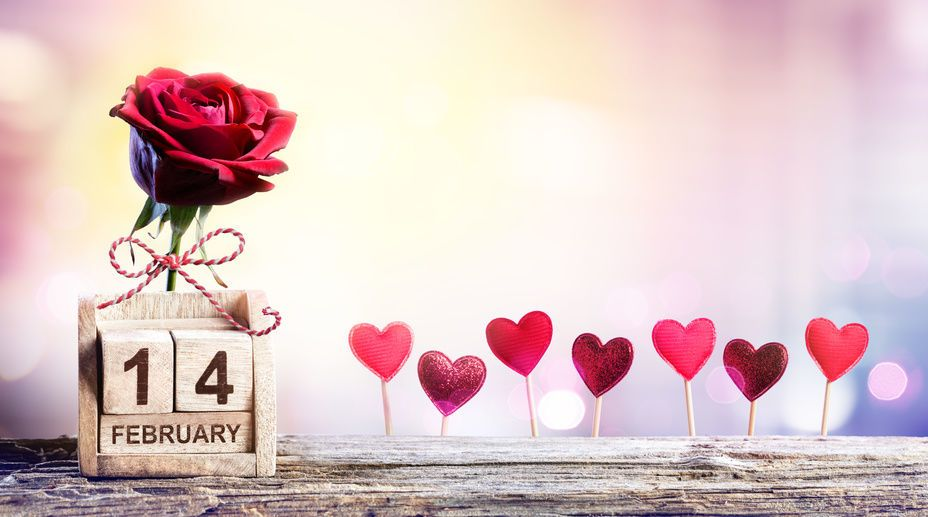 Calendar Rose Day : Valentines day calendar date with rose and hearts